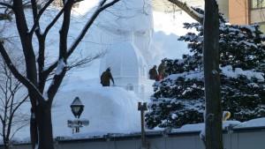 【大雪像】 進撃の巨人、サッポロ襲来!(4丁目)