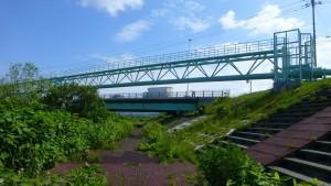 中の川第1水管橋と共栄橋(下手稲通)