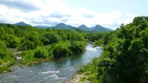石山橋から豊平川上流を望む