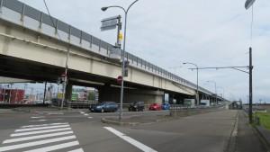 白石高架橋(道央道)