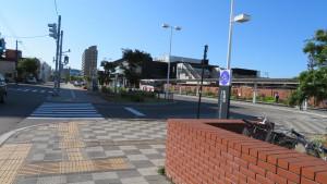 JR白石駅(南口)
