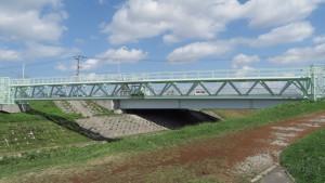下手稲橋と軽川水管橋(手前)