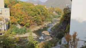 豊平川の渓谷と紅葉