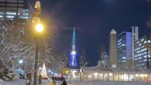 テレビ塔と聖恩碑
