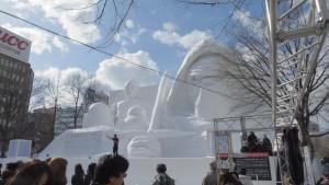 大雪像「白いスター・ウォーズ」