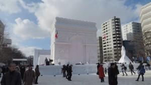 大雪像「凱旋門」