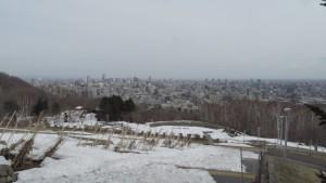展望広場から札幌市街地を望む