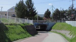 アサヒビール工場と南郷南1号トンネル