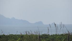 石狩湾と小樽方向を望む