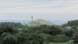 モエレ山を望む