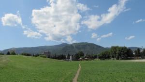発寒西公園から手稲の山並みを望む
