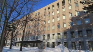 法学部校舎