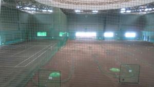 ツインキャップ内のテニスコートとパークゴルフ場