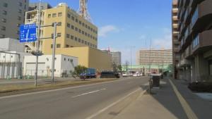 東8丁目篠路通とTVHテレビ局
