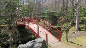 朱色の太鼓橋
