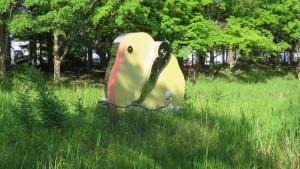 野外彫刻「みつけたくぼみに結実する」