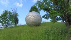 野外彫刻「球」