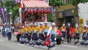 豊平祭典区の山車と行列