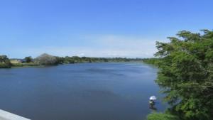 生振大橋から茨戸川を望む