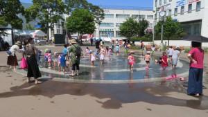 キラ★キラ広場噴水池(科学館公園)