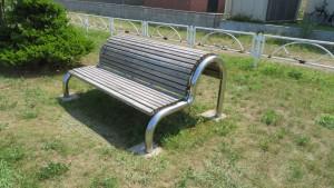 休息器具「背伸ばしベンチ」