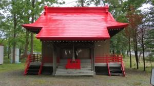 朱い屋根の社殿