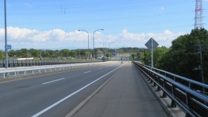 あいの里福移跨線橋