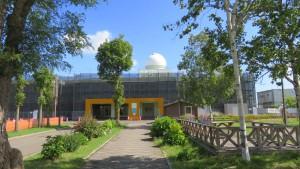 福移小中学校と天文台ドーム