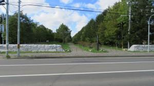 モエレ沼公園東口の歩行者自転車用入口を望む