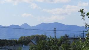 神威岳、烏帽子岳、百松沢山を望む