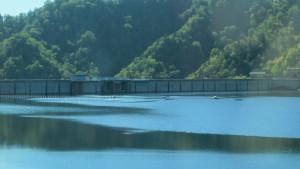 定山渓ダムを望む