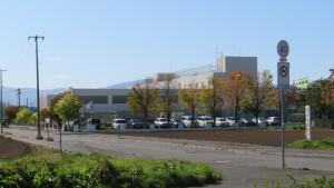 上篠路中学校を望む