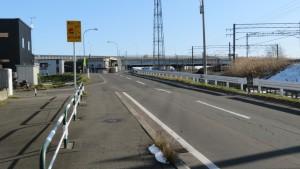 市道鉄北線と白石高架橋