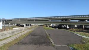 札幌IC高架橋と道央道高架