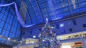 アトリウムとジャンボクリスマスツリー