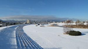 北13条大橋から豊平川上流を望む