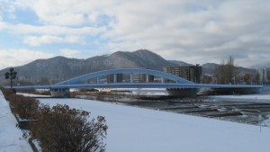 幌平橋と藻岩山