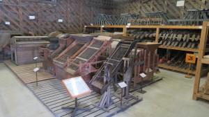 旧札幌拓殖倉庫「農機具の展示」