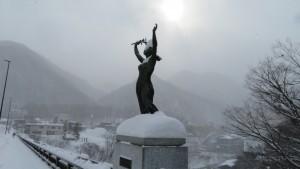 野外彫刻「緑の女神」