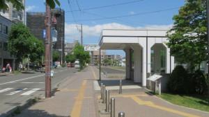 地下鉄豊平公園駅と豊園通