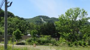 大倉山ジャンプ競技場を望む