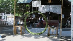 茅の輪と神歌と社殿