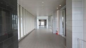 「プレミスト琴似スカイクロスタワー」からコルテナⅡへ向かう空中歩廊