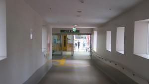JR琴似駅西口への出口を望む
