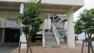 空中歩廊の出口