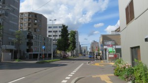 南1条通と地下鉄菊水駅