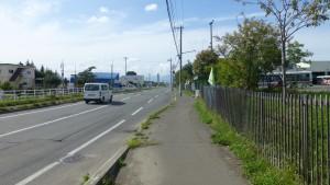 市道12号幹道線とバス停「白石営業所」