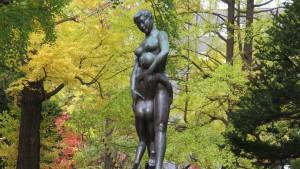 野外彫刻「北の母子像」