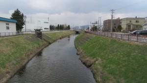 丘珠錦橋から伏籠川上流を望む