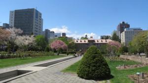 札幌市資料館を望む【大通公園】